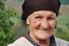 wyrażeniowy stawia czoło jej starej prawdziwej kobiety Fotografia Royalty Free