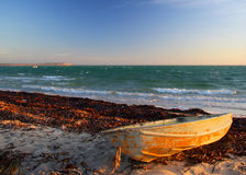 wyrzucać na brzeg łódź Zdjęcie Royalty Free