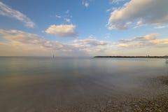 Wyrzucać na brzeg blisko Numana przy zmierzchem, Conero, Marche, Włochy Zdjęcie Royalty Free
