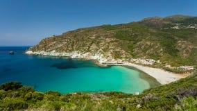 Wyrzucać na brzeg schronienie przy Giottani na nakrętce Corse w Corsica Zdjęcia Stock