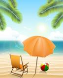 Wyrzucać na brzeg z parasol, krzesłem, piłką i drzewkami palmowymi, Obraz Royalty Free