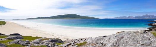 Wyrzuca? na brzeg i woda wyspa Harris, Szkocja obraz stock