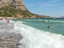 Wyrzucać na brzeg w wiosce Nowy świat w Crimea Fotografia Stock