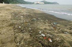 Wyrzucać na brzeg zanieczyszczenie zdjęcie royalty free