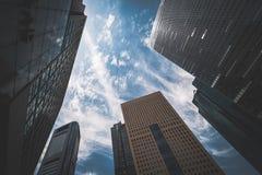 Wysocy budynki w dzielnica biznesu w Tokio obrazy royalty free