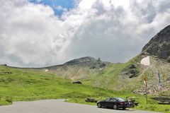 Wysoka Alpejska droga nad Grossglockner Fotografia Stock