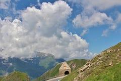 Wysoka Alpejska droga nad Grossglockner Zdjęcia Royalty Free