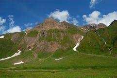 wysoka góra osiąga szczyt lato zdjęcie stock