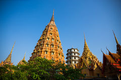 wysoka pagoda przy Watem Tham Sua, Kanchanaburi -, Tajlandia Fotografia Royalty Free