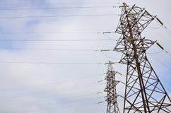 wysoka wieża napięcia elektrycznego Elektryczność przekazu pilon Fotografia Stock
