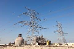Wysoka woltaż linia energetyczna w Jebel Ali, Dubaj Fotografia Stock