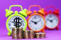 Wysoki Latający dolar Zdjęcia Stock