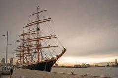 wysoki portowy statek Zdjęcie Royalty Free