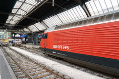 Wysoki prędkość pociąg przy Zurich HB dworcem Fotografia Stock