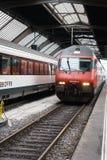 Wysoki prędkość pociąg przy Zurich HB dworcem Fotografia Royalty Free