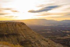 Wysoki Pustynny widok od Płomiennego wąwozu - Zielony Rzeczny Sceniczny Byway obraz stock