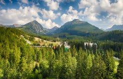 Wysoki Tatras z zielonym lasem Obrazy Royalty Free