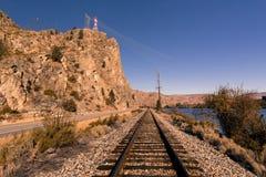 Wysoki woltażu wierza, linia kolejowa i zdjęcia royalty free