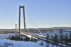 Wysoki wybrzeże most w midwinter słońcu obrazy stock