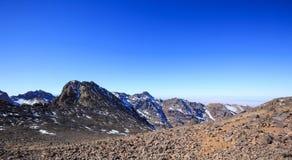 Wysokie atlant góry Chodzący wycieczkuje ślad Zdjęcie Stock