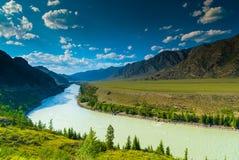 Wysokie góry i luksusowe łąki Zdjęcie Royalty Free