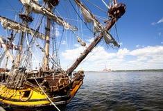 WYSOKIE statek rasy KOTKA 2017 Kotka, Finlandia 16 07 2017 Wysyła Shtandart w porcie Kotka, Finlandia Obraz Stock