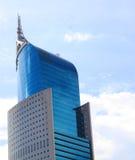 Wysokiego budynku drapacza chmur szklanego okno wzrosta architektury wysoki biuro w Dżakarta Indonezja Obrazy Stock
