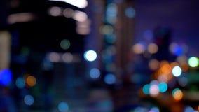 Wysokiego kąta widok nocy światła ruchu w nowożytnym mieście od ruszać się samochodowych okno, Szanghaj nocy miastowi uliczni sam zdjęcie wideo