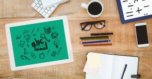 Wysokiego kąta widok pastylka komputer osobisty z ikonami ołówkami z dzienniczkiem i mądrze telefonem na stole Zdjęcia Stock