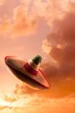 Wysokiego kontrasta wizerunek Meksykański kapelusz, sombrero w niebie/ zdjęcia royalty free