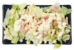 Wysokiego kąta widoku szefa kuchni Odosobniona sałatka na talerzu Zdjęcia Stock