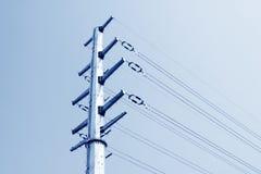 Wysokiego woltażu zasilania elektrycznego tubki stalowy wierza Obrazy Stock