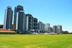 Wysokiego wzrosta mieszkań Mieszkaniowy budynek obraz royalty free
