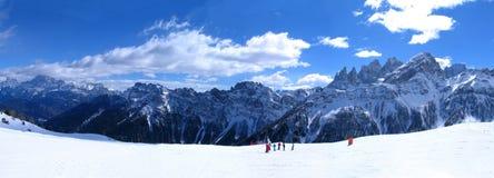 wysokiej góry śnieżna poniższa zimy Zdjęcia Royalty Free