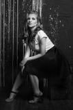 Wysokiej mody portret młoda kobieta Czarny i biały wizerunek Obraz Stock