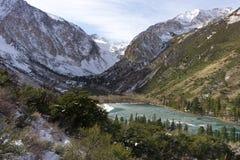Wysokość nad Parker jezioro w Wschodnim sierra blisko zmierzchu Obrazy Royalty Free