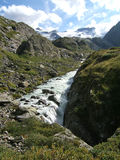 Wysokogórski góry wody strumień w górze Szwajcaria, Unterstock, Urbachtal Obraz Stock