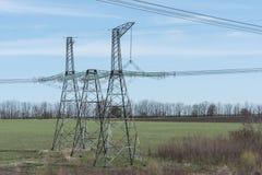 wysokonapięciowe linie energetyczne Zdjęcia Stock