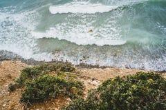 Wyspa Crete w Grecja, widok z lotu ptaka w kierunku morza i plaży Odgórny widok Pięknie jaskrawy i azures fotografia royalty free