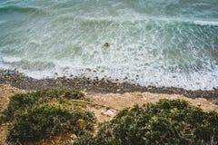 Wyspa Crete w Grecja, widok z lotu ptaka w kierunku morza i plaży Odgórny widok Pięknie jaskrawy i azures obrazy royalty free
