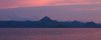 Wyspa Flores z górami Fotografia Royalty Free