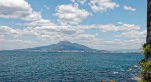 Wyspa Ischia widzieć od Amalfi wybrzeża Obrazy Royalty Free