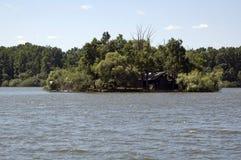 Wyspa na jeziorze zdjęcia royalty free