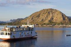 Wyspa Samochodowy prom zdjęcia royalty free