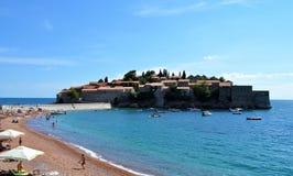 Wyspa Sveti Stefan i plaża zdjęcia stock