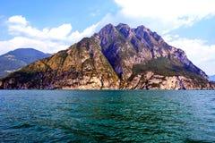 Wyspy góra w morzu Obrazy Royalty Free