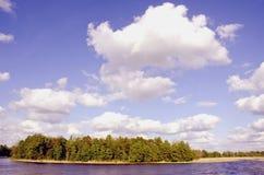wyspy jezioro otaczająca woda Zdjęcie Stock