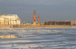 wyspy neva noc Petersburg rzeczni świątobliwi widoki plują vasilyevsky Obraz Stock