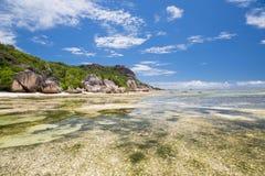 Wyspy plaża w oceanie indyjskim na Seychelles Obrazy Stock