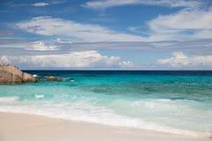 Wyspy plaża w oceanie indyjskim na Seychelles Zdjęcia Royalty Free